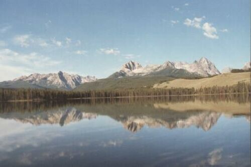 Little Redfish Lake and the Sawtooth Mountains